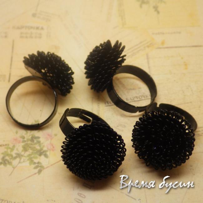 Кольцо из проволоки. Цвет черный