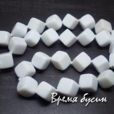 Агат белый прессованный, ромбик гладкий 10х10 мм (1 шт.)