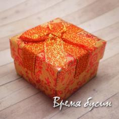 Коробочка подарочная с рисунком. КРАСНАЯ