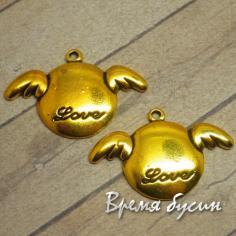 Медальон с крыльями. Подвеска под золото