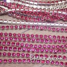 Стразовая плотная цепь SS6. Розовый в серебре (10 см.)