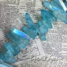 Кварц, крупные кристаллы (1/4 нити, 10-11 шт.)