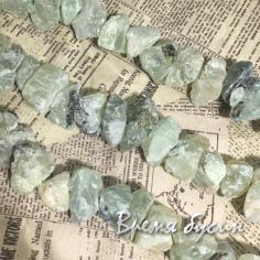 Пренит. Бусины - кусочки необработанного камня (24 шт.)