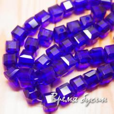 Бусины кубики из граненого стекла, 5х5 мм цв.   темно-синий  (1 шт.)