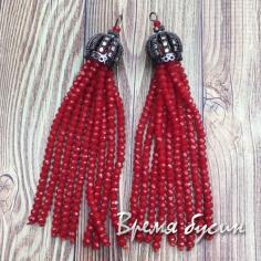 Подвески-кисточки из граненых бусин, цв. Красный матовый в черном  (2 шт.)