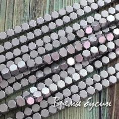 Гематит, кубик со скошенными уголками, 3 мм, цв. Серебро матовый (1/2 нити, ок. 60 шт.)