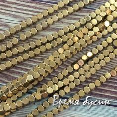 Гематит, кубик со скошенными уголками, 3 мм, цв. Золото (1/2 нити, ок. 60 шт.)