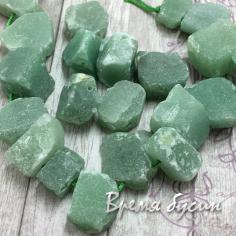 Нефрит. Кусочки необработанного камня (1 шт.)