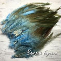 Перо петуха, цвет серо-голубой, длина 10-15 см (1 шт.)