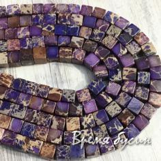 Варисцит, цв. фиолетовый. Кубик гладкий 6 мм (1/2 нити, 32 шт.)