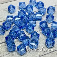 Бусины кубики из граненого стекла, 5х5 мм цв.  голубой   (1 шт.)