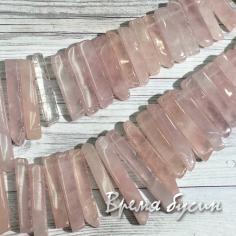 Розовый кварц, палочка плоская градуировкой по размеру (1/2 нити, 35 шт.)