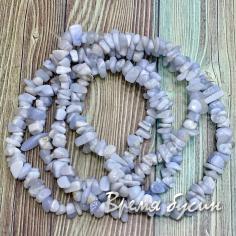 Крошка каменная. Натуральный голубой агат. Сапфирин  (нить ок. 80 см.)