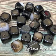 Агат тонированный, кубик 10 мм, цв. ЧЕРНЫЙ   (1 шт.)