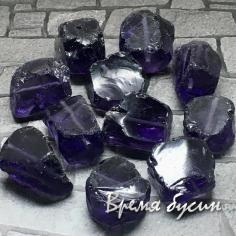 Аква-кварц, крупный необработанный кусочек, цв.      ФИОЛЕТОВЫЙ     (1 шт.)