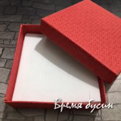 Коробочка подарочная квадратная 9х9х3 см, цв. красный