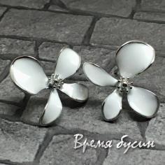 Швензы-гвоздики с эмалью цв. белый, латунь с родиевым покрытием (1 пара)