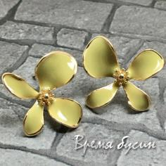 Швензы-гвоздики с эмалью цв. лимонный, латунь с позолотой  (1 пара)