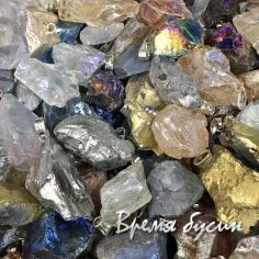 Агат титановый, необработ. Кулон из камня в ассортименте (1 шт.)